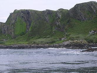 Lunga (Slate Islands) - Image: Lunga cliffs