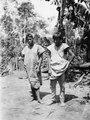 Män i basttygsskjortor. Rio Chapare. Bolivia - SMVK - 005556.tif