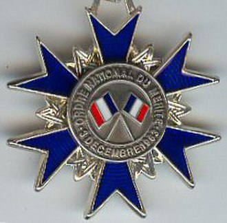 National Order of Merit (France) - Reverse of the Knight's insignia of the Order