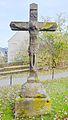 Madfeld, St. Margaretha. Steinkreuz im Außenbereich.JPG