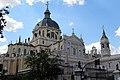 Madrid - Catedral de Santa María la Real de la Almudena (35682155600).jpg