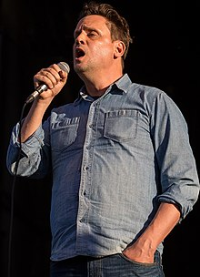 Kozelek performing with Sun Kil Moon in 2014