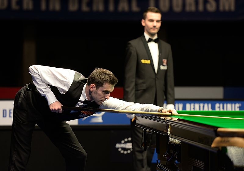 File:Mark Selby and Marcel Eckardt at Snooker German Masters (DerHexer) 2015-02-08 02.jpg
