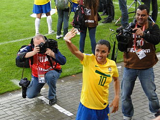 Marta of Brazil is the all-time leading scorer of the World Cup. Marta (10), meio-campista, craque, genial, DSC00982.jpg