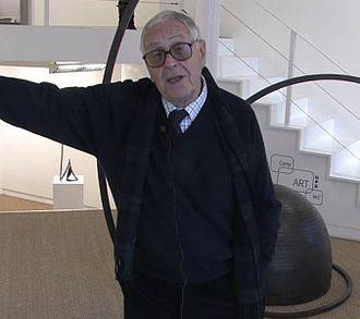 Martín Chirino - Martín Chirino at an exhibition