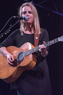 Mary Chapin Carpenter vuonna 2015.