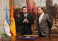 Mauricio Macri recibe distinción de la Comunidad de Madrid (6575590313).jpg