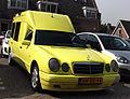 Mercedes-Benz E 290 D (9561642637).jpg