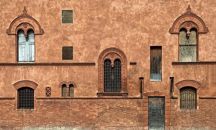 Mezzolara, villa Rusconi, particolari.jpg