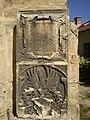 Mikulov, kamenná deska na kostele.JPG