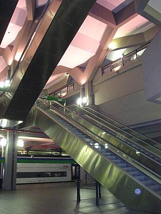 Angelo Mangiarotti - Milano Repubblica railway station