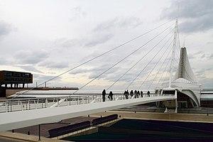 Reiman Bridge - Image: Milwaukee Art Museum 4 (Mulad)