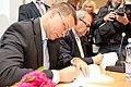Ministru prezidenta VDombrovska un ekonomista A. Aslunda grāmatas atvēršana (5765053872).jpg
