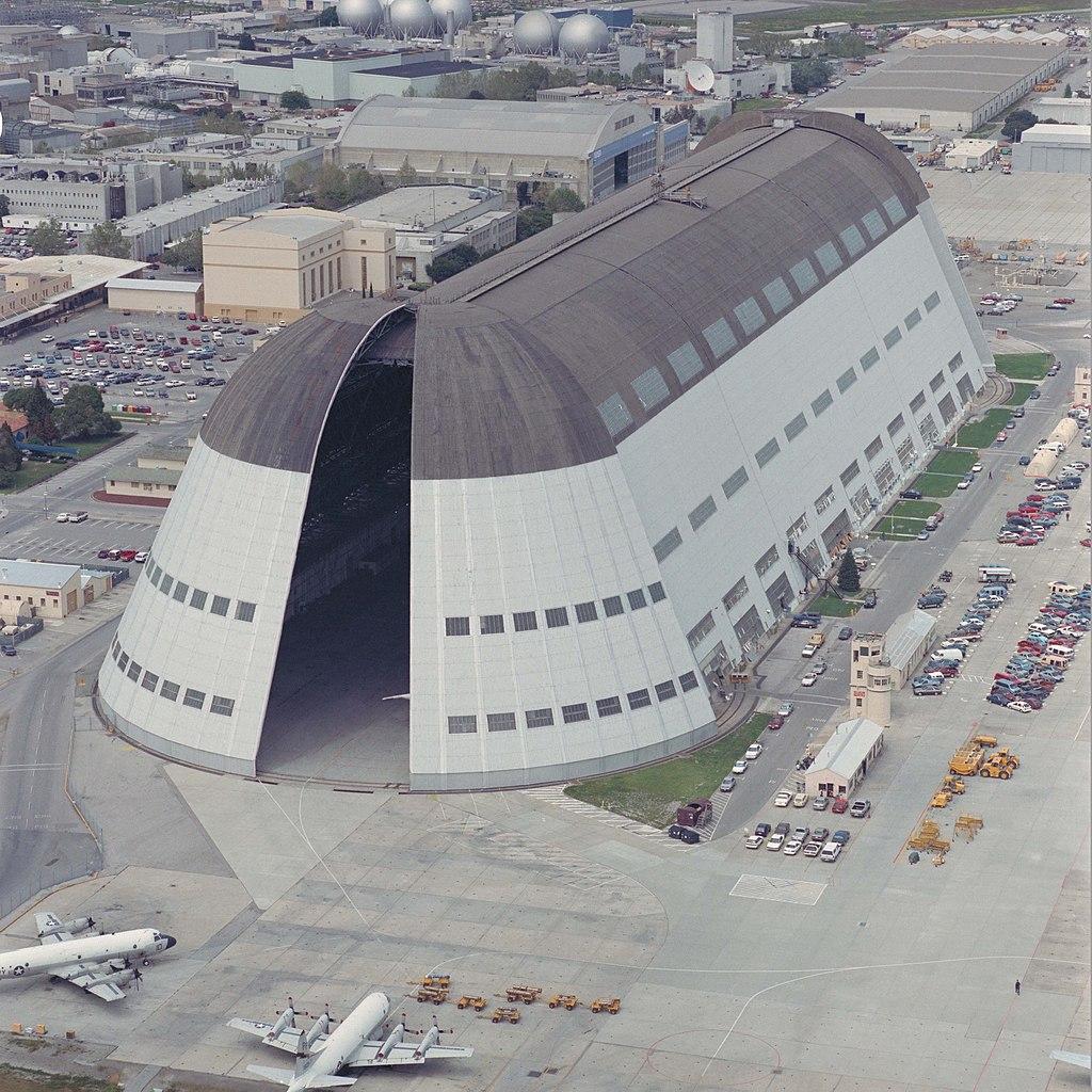 Moffett Field Hangar 1, 1992