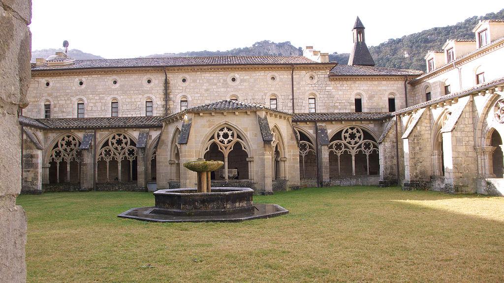 Monasterio de Iranzu. Claustro.jpg