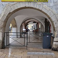 Montélimar - galerie d'arcades 3.JPG
