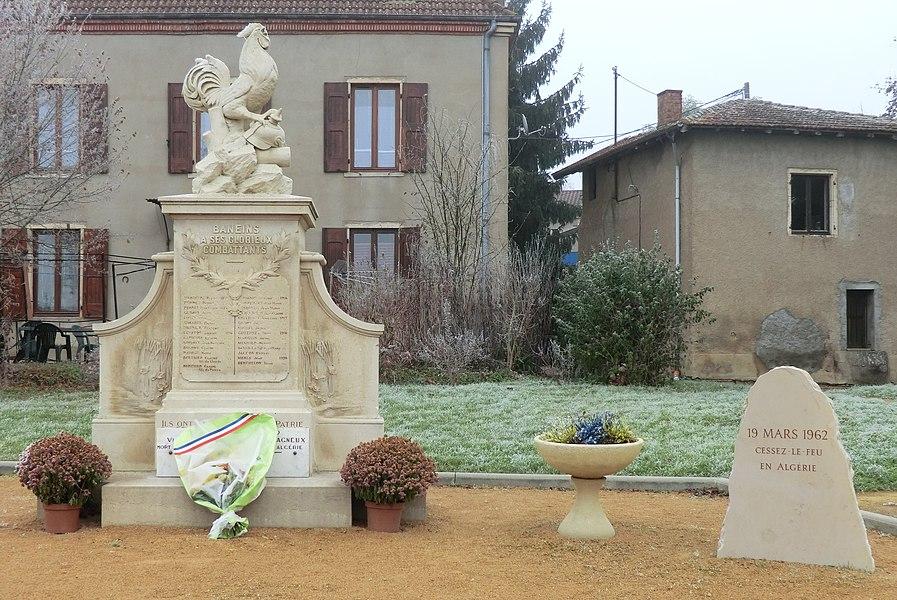 Monument aux morts de Baneins et stèle du cessez-le-feu en Algérie.