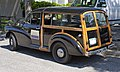 Morris Minor Traveller black vb.jpg