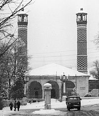 Mosque in Shusha in February of 1992.jpg