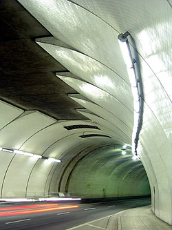 Mouth of the 2nd street tunnel.jpg