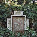 Nabij de Lourdesgrot, kruiswegstatie nummer 14 - Steijl - 20342034 - RCE.jpg