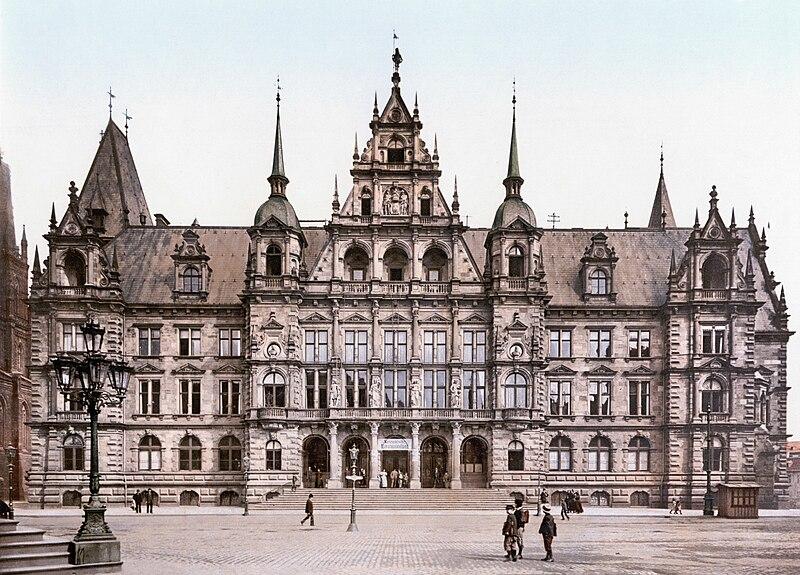 File:Neues Rathaus Wiesbaden 1900.jpg