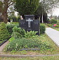 Niederaußem Grabmal Oehmen Denkmal 259.jpg
