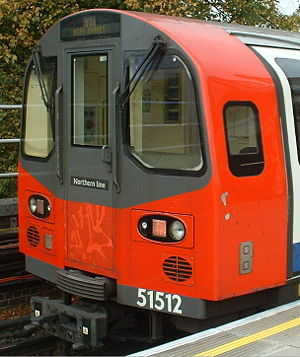 Northern line - Close-up of 1995 Stock cab