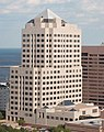 Northwestern Mutual Tower cropped, Milwaukee.jpg
