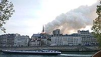 Notre-Dame de Paris, Incendie 15 avril 2019 19h03.23.jpg