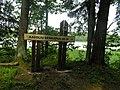 Nukreipiamoji rodykle i Kavoliu pilkapius prie Sartu ezero.JPG