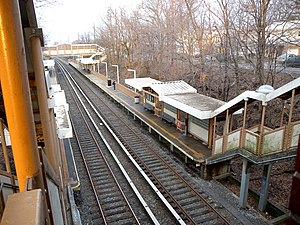Oakwood Heights (Staten Island Railway station) - Northbound platform and tracks