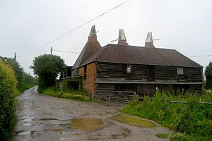 Cowl (oast) - Oast with Sussex type cowls