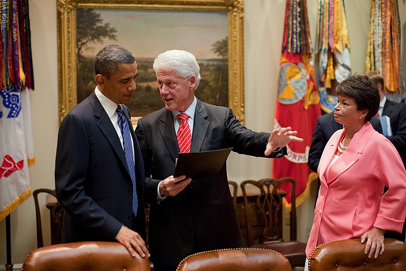 קובץ:Obama and Bill Clinton.jpg