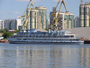 Ocharovannyy Strannik on Khimki Reservoir 5-jun-2012 3.JPG