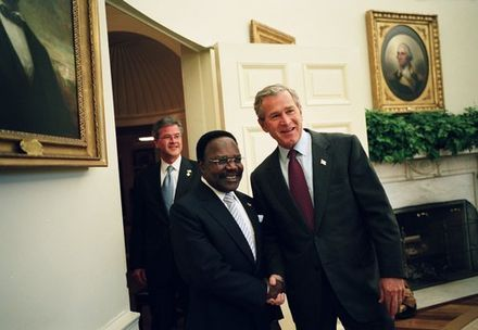 President George W. Bush welcomes President Omar Bongo to the Oval Office, May 2004 Omar Bongo with George Bush May 26 2004-01.jpg