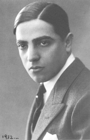 Aristotle Onassis - Onassis, 1932
