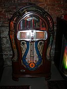 Ornate midcentury 12-disc Wurlitzer jukebox 02.jpg