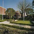 Overzicht Achtergevel van het stenen buitenhuis met tuinaanleg achterzijde - Zaandam - 20341835 - RCE.jpg