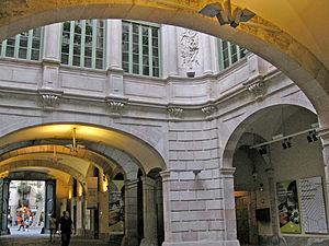 Virreina Palace - Image: Palau de la Virreina, pati
