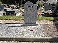 Parc-d'Anxtot (Seine-Mar.) mémorial, petit carré militaire.jpg