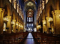 Paris Cathédrale Notre-Dame Innen Langhaus Ost 2.jpg