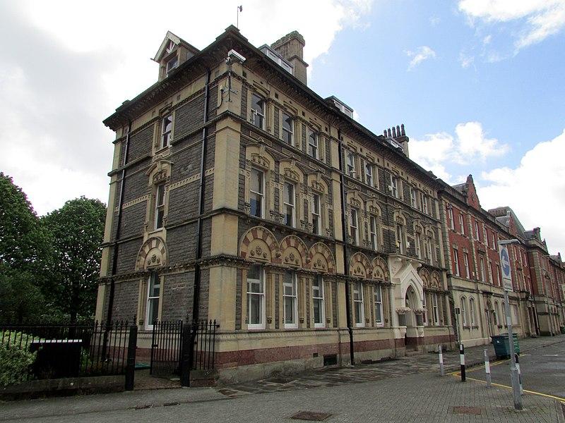 File:Pascoe House, Cardiff.jpg