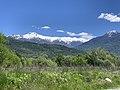 Paysage depuis le chemin sous le Roc (Embrun) en mai 2021 (montagnes enneigés).jpg