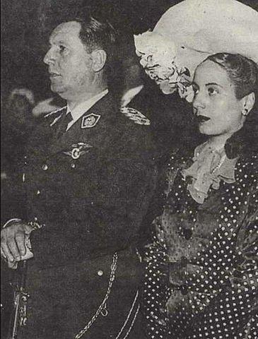 Эва Дуарте и Хуан Перон в 1945 году
