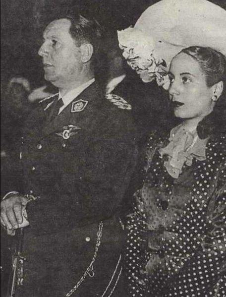 Ficheiro:Peron y Eva - casamiento civil - 1945.jpg