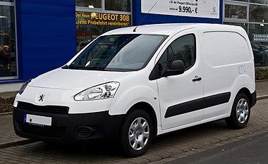 Peugeot Partner Kastenwagen (II, Facelift) – Frontansicht, 3. März 2014, Düsseldorf.jpg