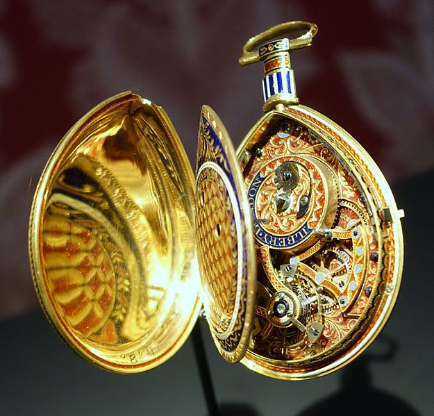 File:Piriform watch, signed Ilbery, London, c. 1800, gold, enamel - Cinquantenaire Museum - Brussels, Belgium - DSC08936.jpg
