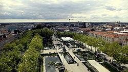 Place Napoléon de La Roche-sur-Yon depuis l'église.jpg