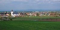 Pohled na obec z Malého Kosíře, Slatinice, okres Olomouc.jpg